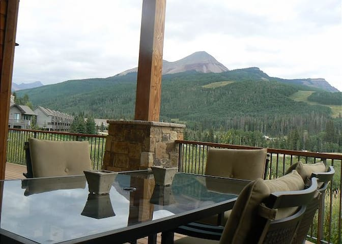 Luxury Home with Unbelievable Views - Huge Covered Deck - Onsite Heated Pool - Durango - Ev