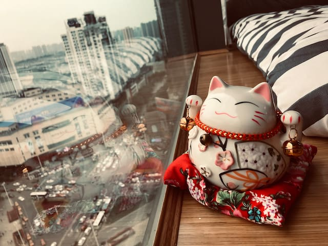 网红必打卡!赢府·红中!VIP影视私宅/一线江景/市中心/jojo街/吃喝玩乐购/度假休闲/朋友聚会
