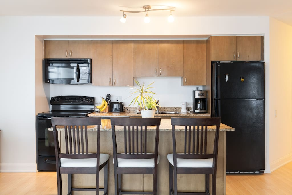 Room For Rent In Yonge And Eglinton