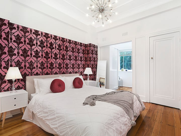 FULL ONE BEDROOM ART DECO - THE GALLERY - SYDNEY