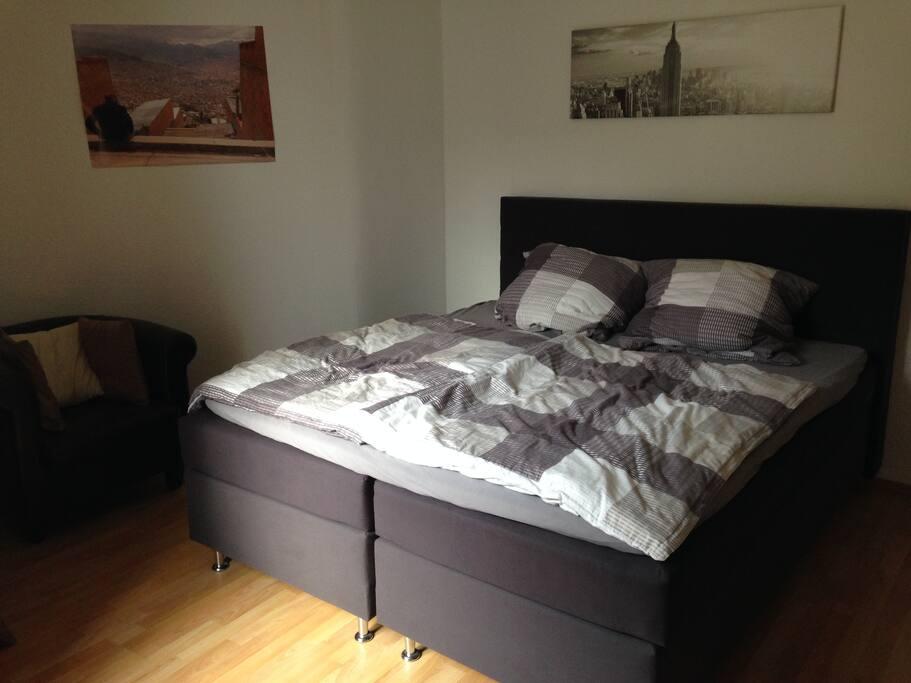 Schlafzimmer / bedroom