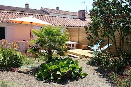Maison individuelle avec agréable jardin clos - Grues - Haus
