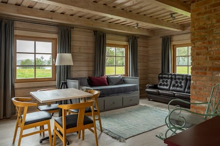 Beautiful Log Summer House Apartment & Lake View