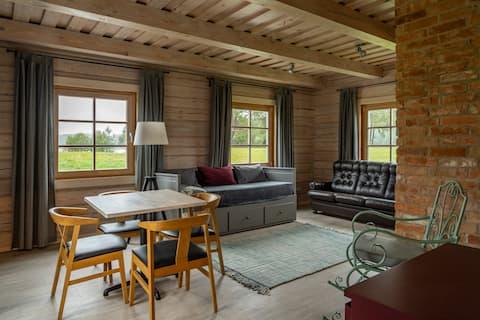 Beautiful Log Summer House Apartment & Lake View
