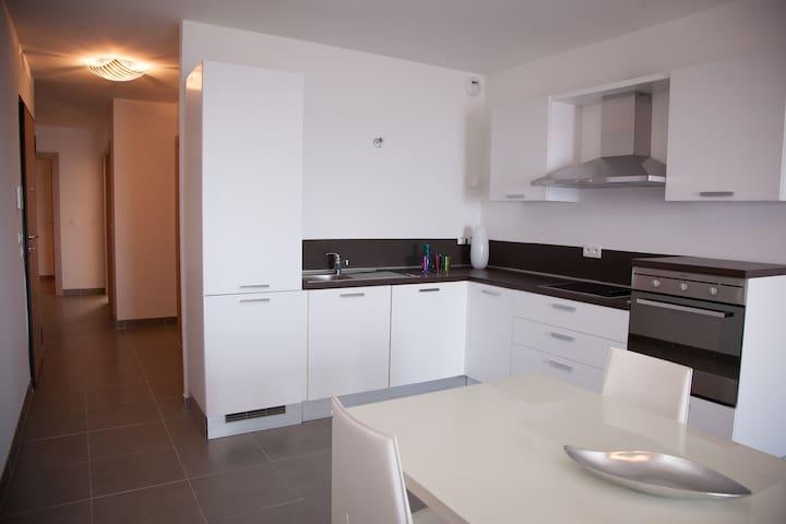Appartement 2 chambres avec Terrasse au bord de mer au Cap Corse