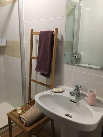 Habitación cómoda y tranquila en Majadahonda