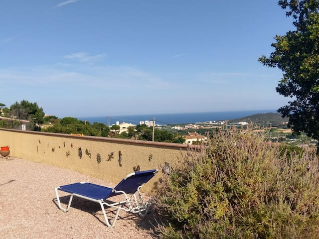 Gina's House in Castell d'Aro with sea views