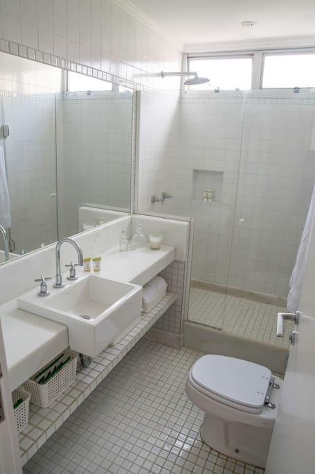 Banheiro 2   Bathroom 2