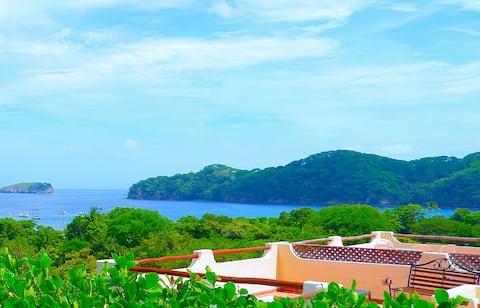 Ocean view & private rooftop terrace condo.