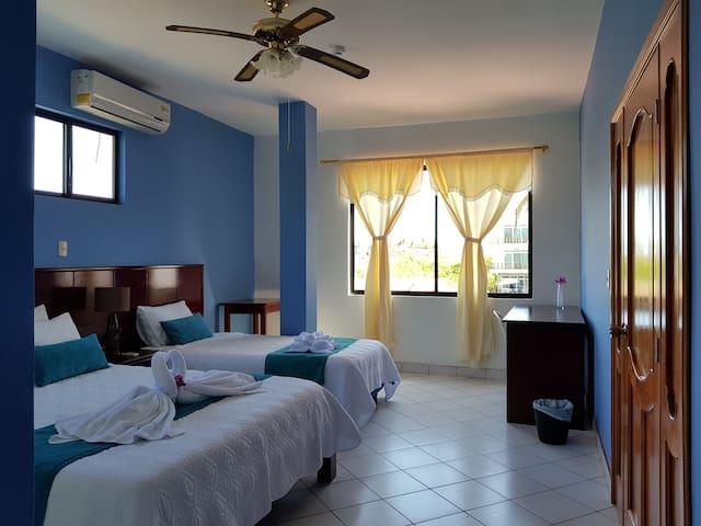 Hostal Jeniffer, Isla Isabela-Galápagos. Hab # 4