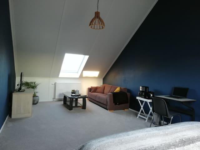 Eigen kamer (bovenverdieping) in Rouveen