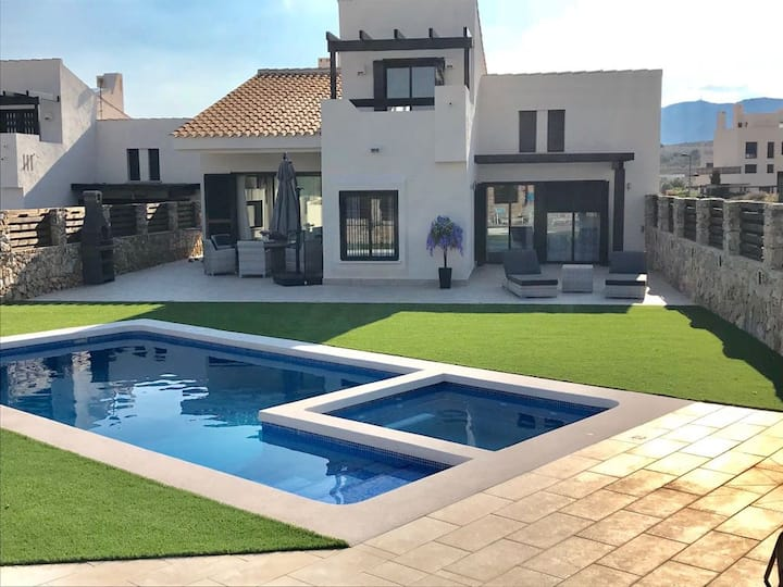 Luxury 3 bed villa with private salt water pool