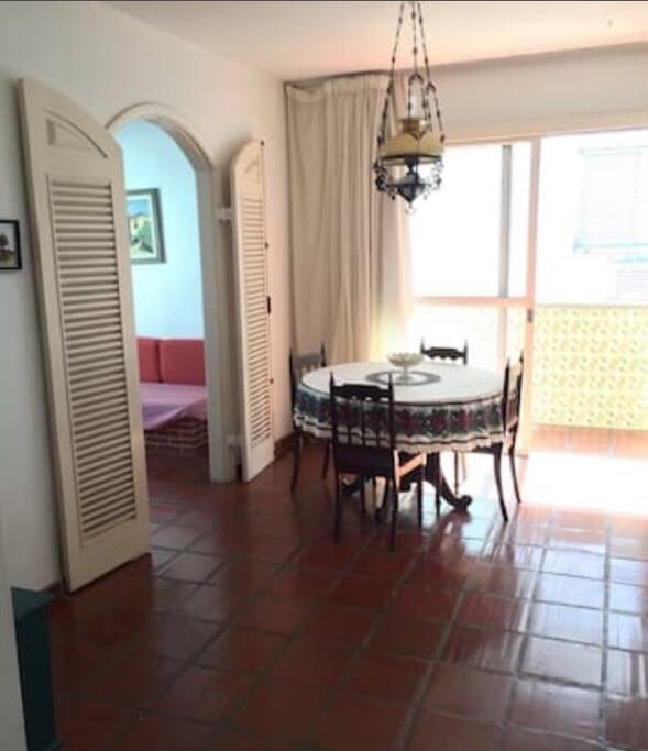 Sala de jantar vista da entrada