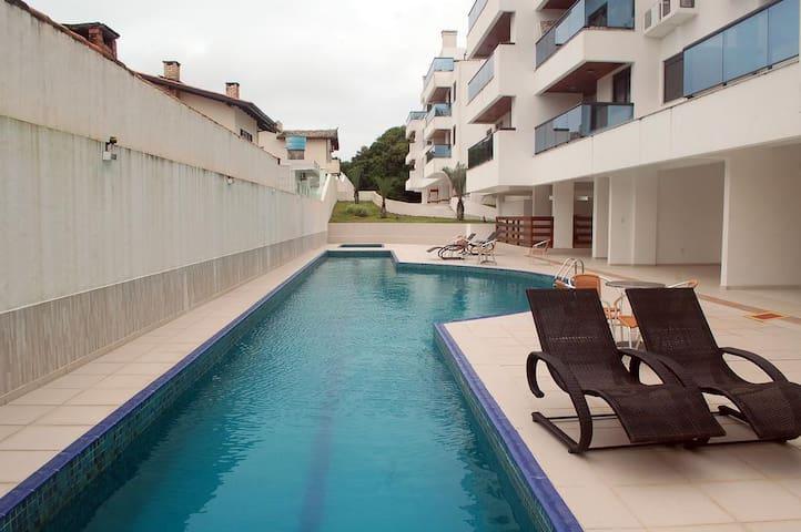 Quarto p/2 pessoas em ótimo apartamento na praia - Florianópolis - Lejlighed
