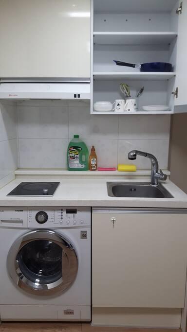 인덕션, 주방, 드럼세탁 입니다.