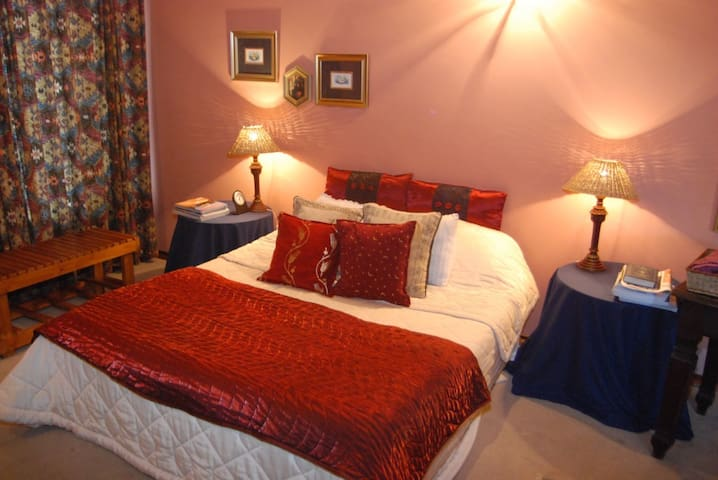Bezuidenhout Bed and Breakfast