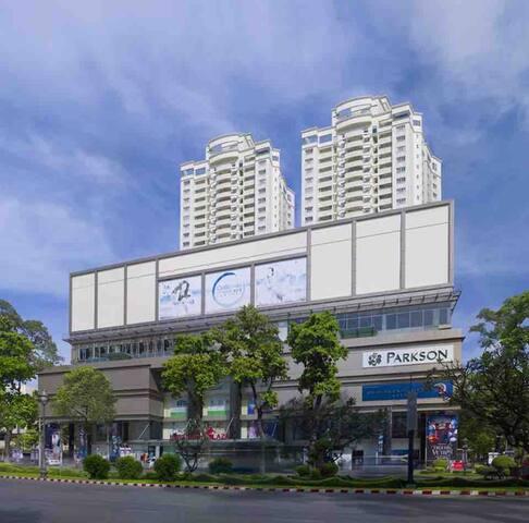 Moon R, Parkson Hung Vuong  Plaza,126 Hong Bang D5