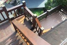 通往二樓樓梯