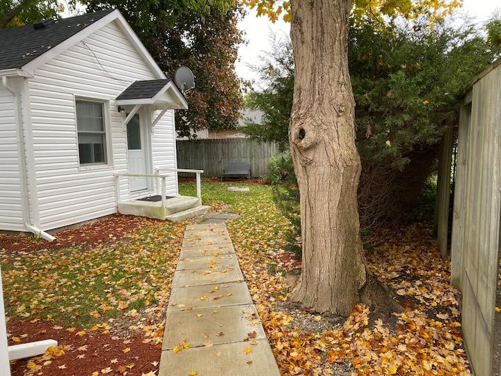 Tiny House Retreat on Old Lakeshore