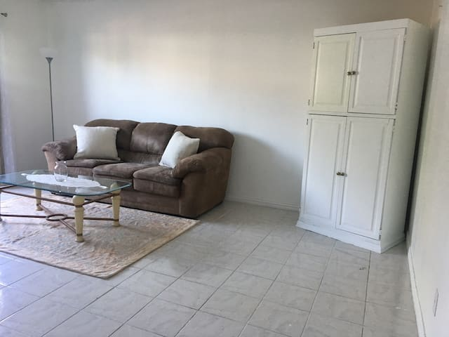 Big, clean, all tile 1 bed condo, great location