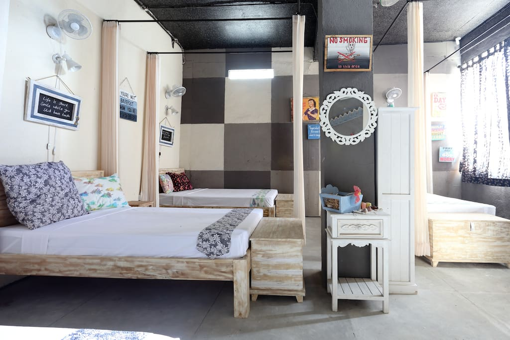 Our bunkbeds are suitable for backpackers and couples.
