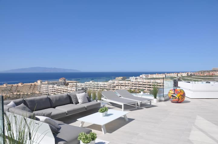 Super-view-Penthouse with jacuzzi in Playa Paraiso