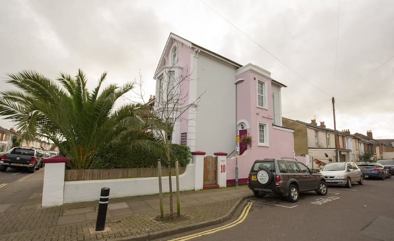 Character Victorian House Room 1 & parking - Portsmouth - Penzion (B&B)