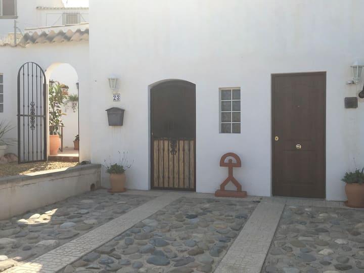Casa Los Chicos - Private Apartment in rural Spain