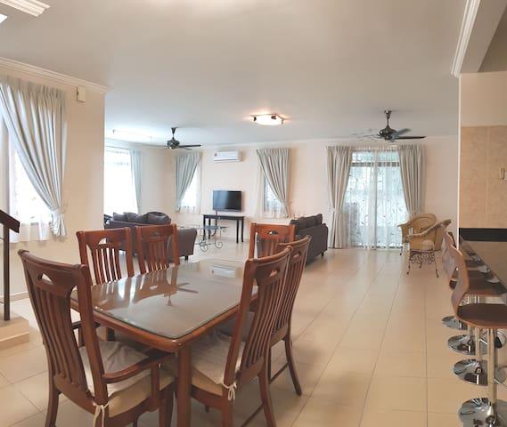 Alisha Homestay (5 Rooms)