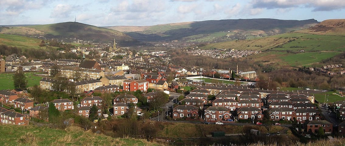Large 1 Bedroom Mossley Town - Mossley