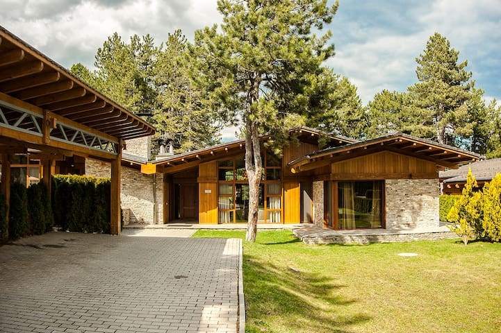 Villa Six, Pirin Golf Resort & Spa, Bansko