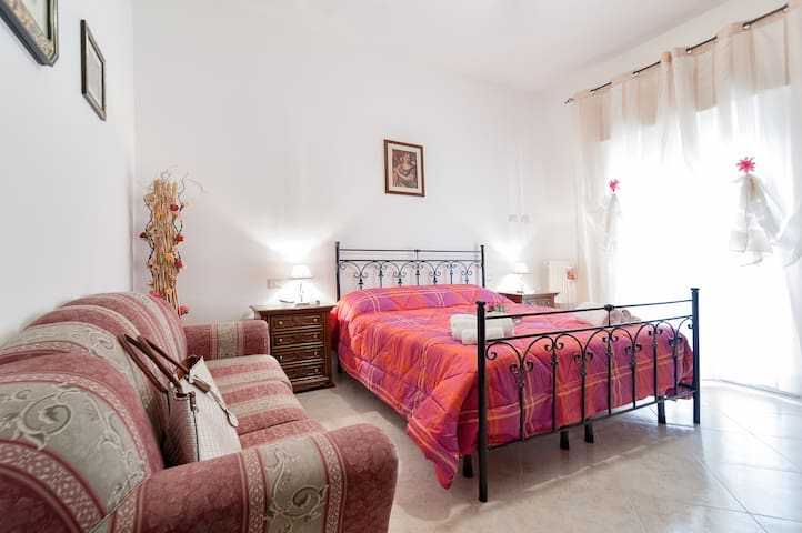 CASA CONTE:4 bedroom/2 bath/free WiFi/free parking
