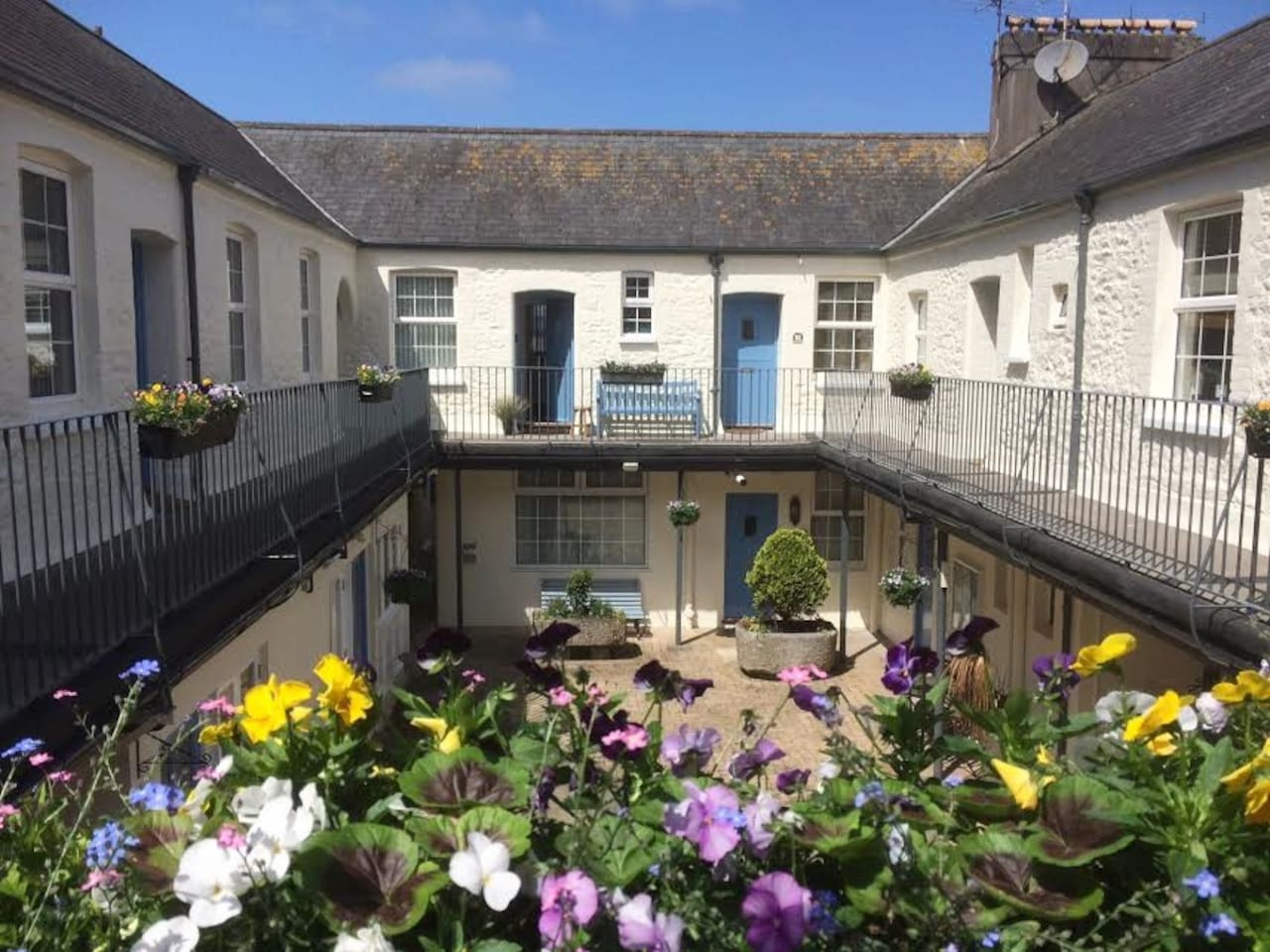 The Picturesque Mews Courtyard