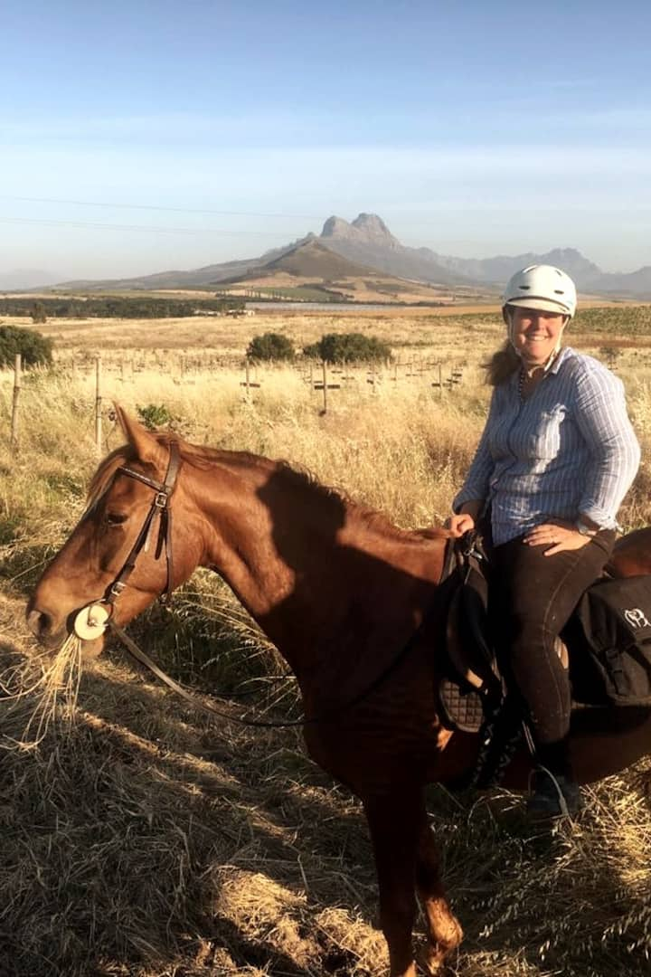 Lou & Savvy with Simonsberg in the back