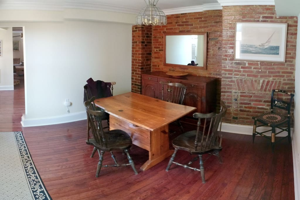 Large 2 Bedroom Apartment Apartments For Rent In Baltimore Maryland United States