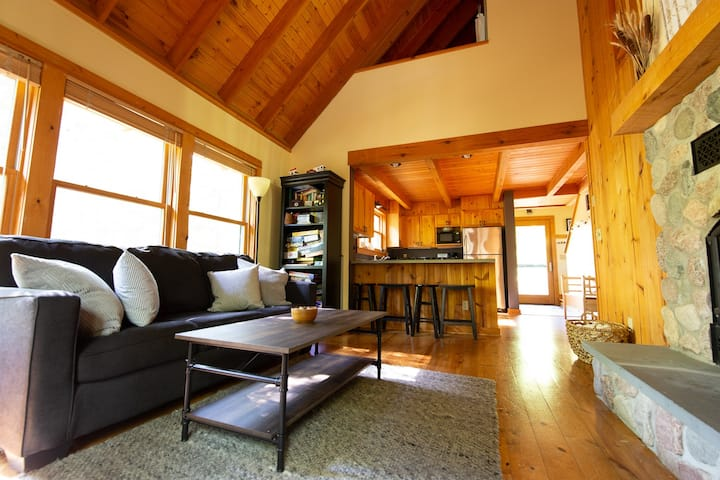 Cedar Chalet @ Brickyard | Hello, Northwoods-Chic!