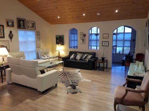 Charming house, romantic, spacious and beautiful!