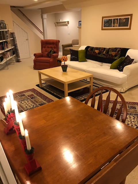 Quiet 2 bed room apt w/ private entrance.