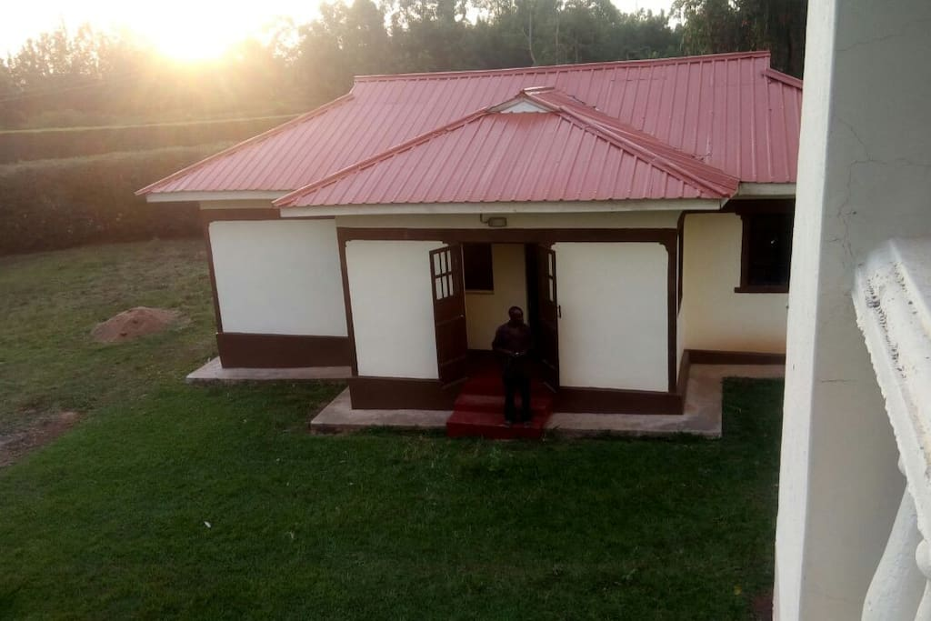 House is in Gem Yala, just an hour away from Kisumu. In an all green environment near the Ndanu Falls - Kenyans 6th highest water fall.