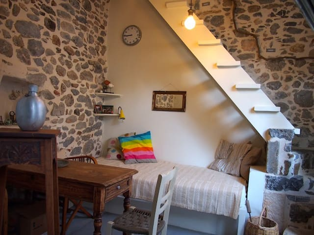 Cosy Stonehouse like a fairy tale