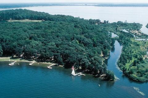 Samara Point on Gull Lake   #3