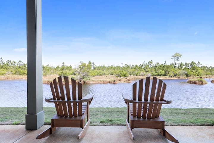 103B Romar Lakes Condo 2B/2BA Beach Access & Pool