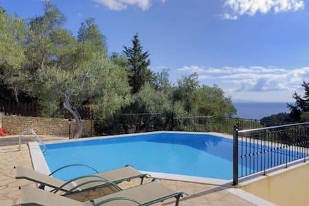 Villa Angouletta - Longos - Villa