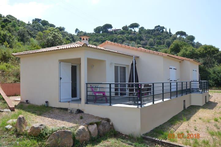Maison à quelques mètres de la plage proche Sagone