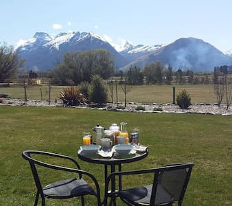Super King Ensuite Glenorchy Peaks - Glenorchy - Bed & Breakfast