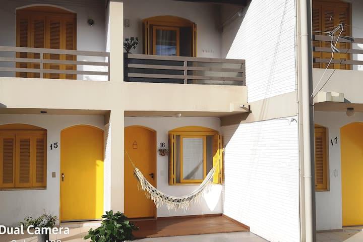 Duplex tranqüilo e seguro p/suas férias de verão.