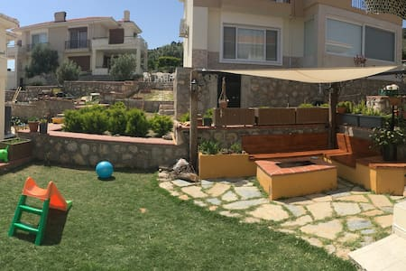 2-Storey Villa with view in Çeşme! - Çeşme