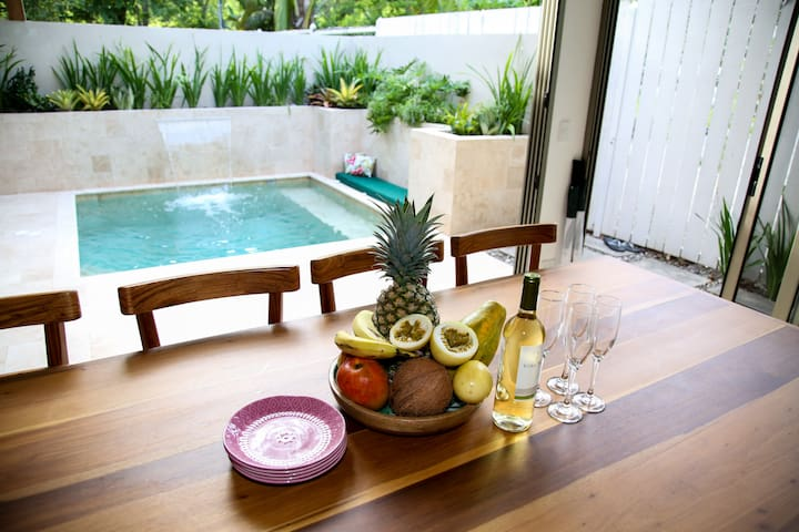 Brand new 2 bedroom house with a pool, by Banana Beach