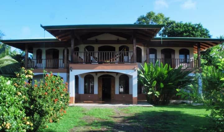 Corcovado Guest Home: Hostal Rio Tigre Corcovado