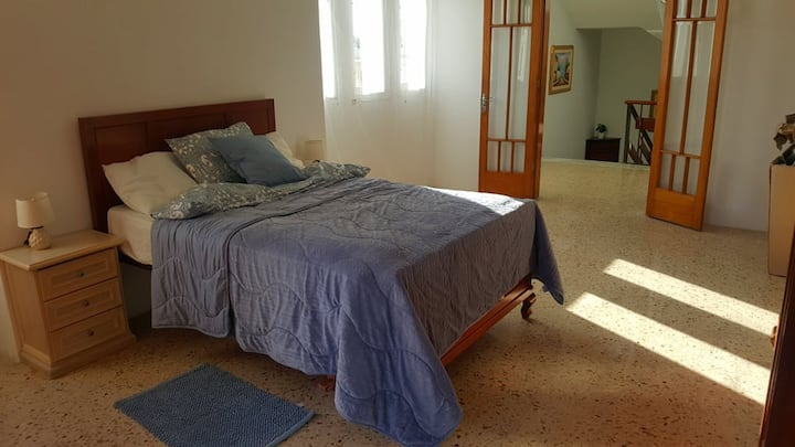 Room to rent in a Charming Villa in San Julian